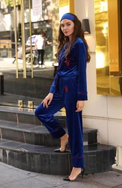 Victoria's Secret Model Kadife Saks Mavi Uzun Kollu Pijama Takımı satın al