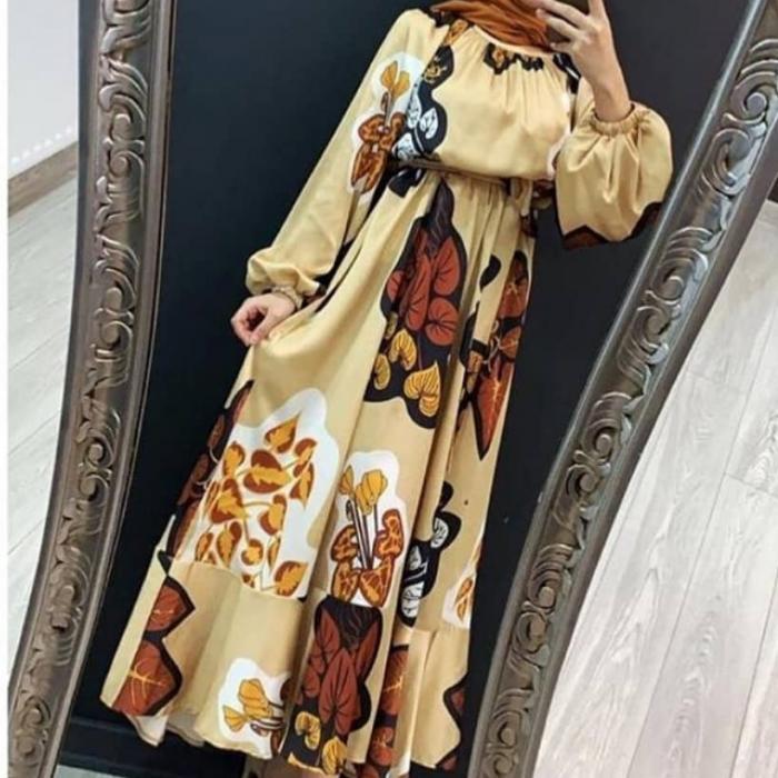 Krem Volanlı Uzun Bayan Elbise