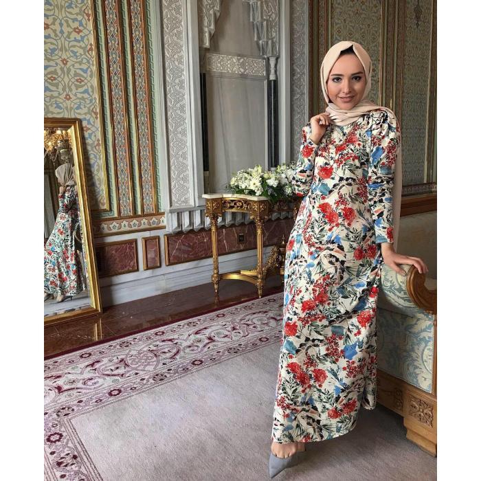 Alaçatı Tarzı Yazlık Çiçekli Uzun Elbise