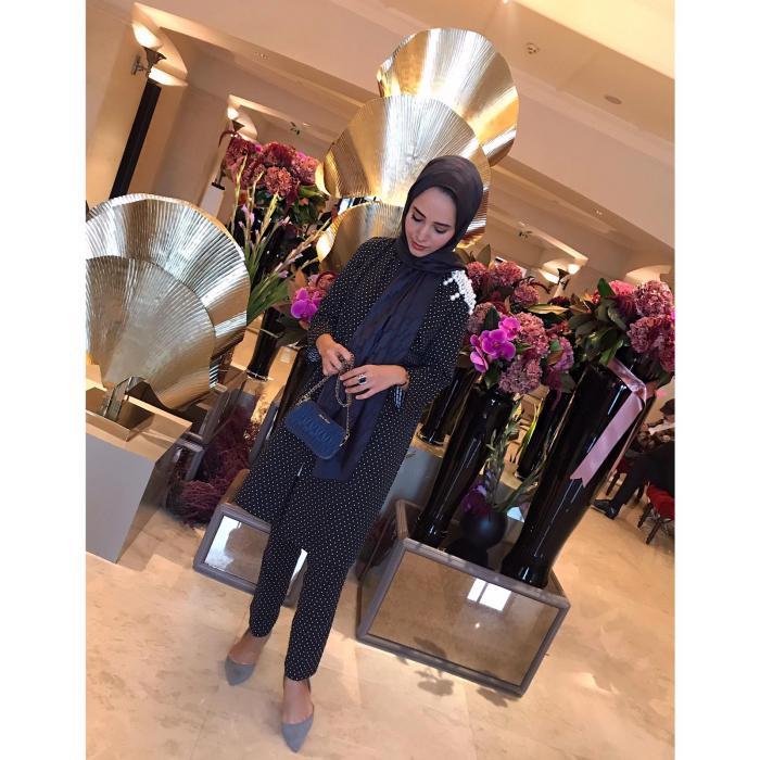İpekar Marka Kumaş İnci Detaylı Puantiyeli Siyah Bayan Takım