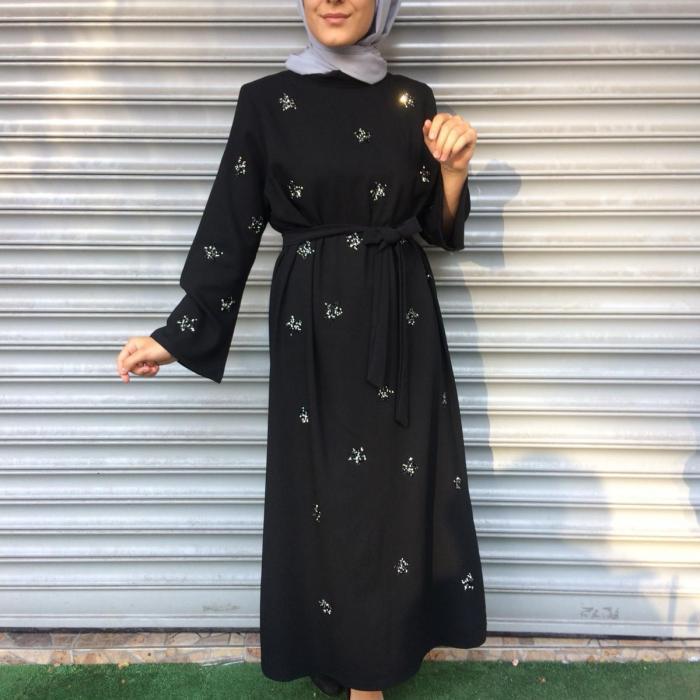 Yıldızlı Taşlı Siyah Elbise