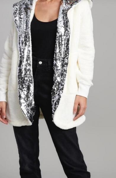 Payet Detay Kapşonlu Peluş Ceket (Ekru) satın al
