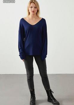 V Yaka Çilek Kumaş Bluz(Lacivert)
