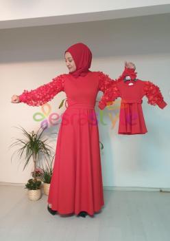 Anne Çocuk Kolları Çiçek Detaylı Elbise