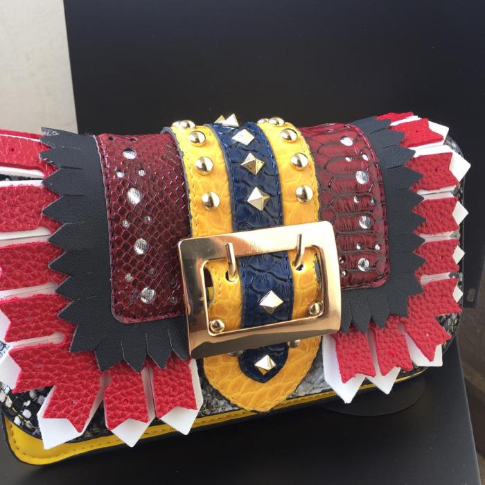 Kemer Detaylı Çanta