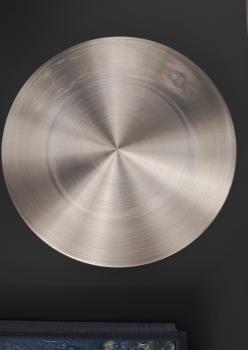 Gümüş dekoratif duvar tabaği