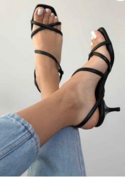 Siyah Bayan Sandalet